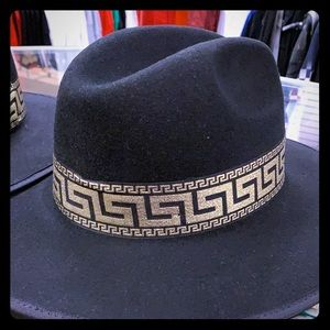 Black dress hat with design